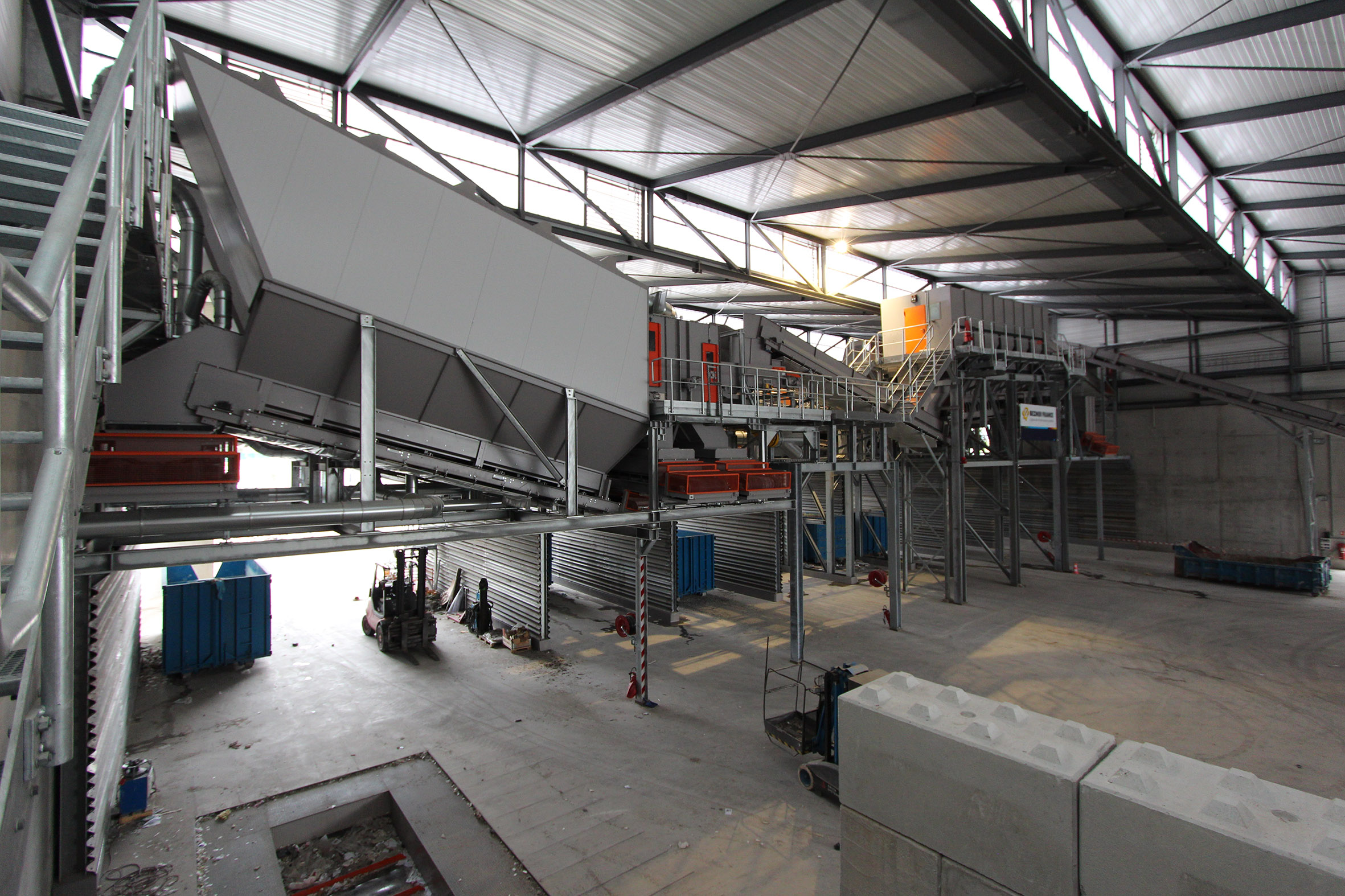 Wind sifter Recycling plant for industrial and demolition waste