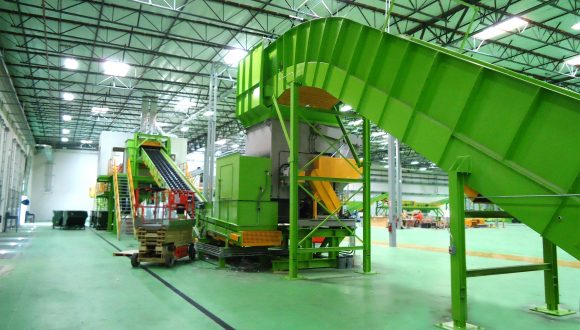 chain conveyor for material transport