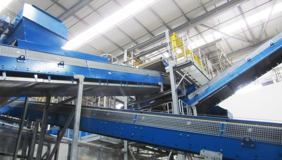conveyor system for material transport