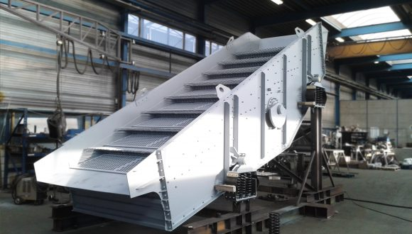 linear vibrating screen manufacturer