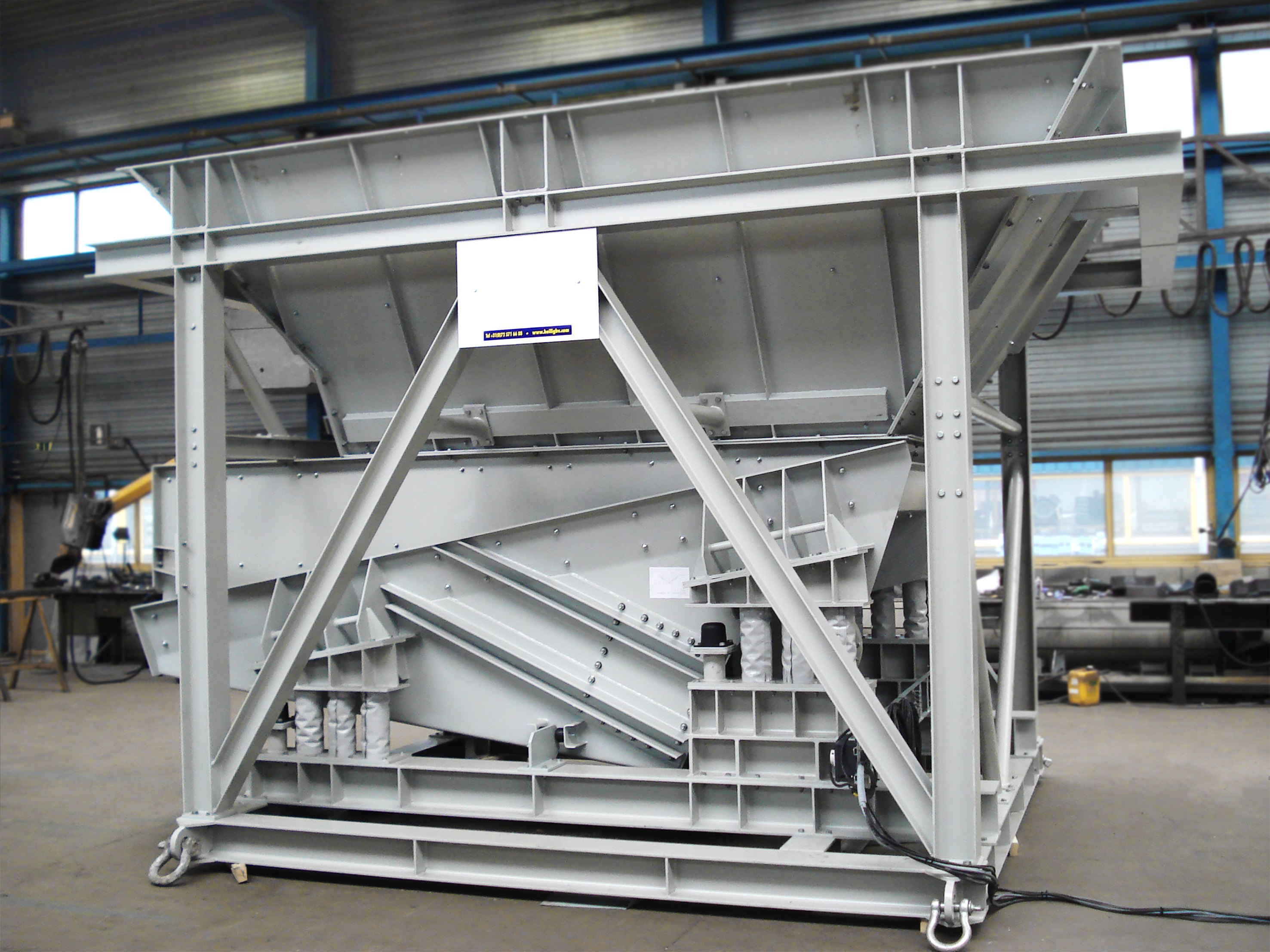 vibrating dosing feeder with bunker