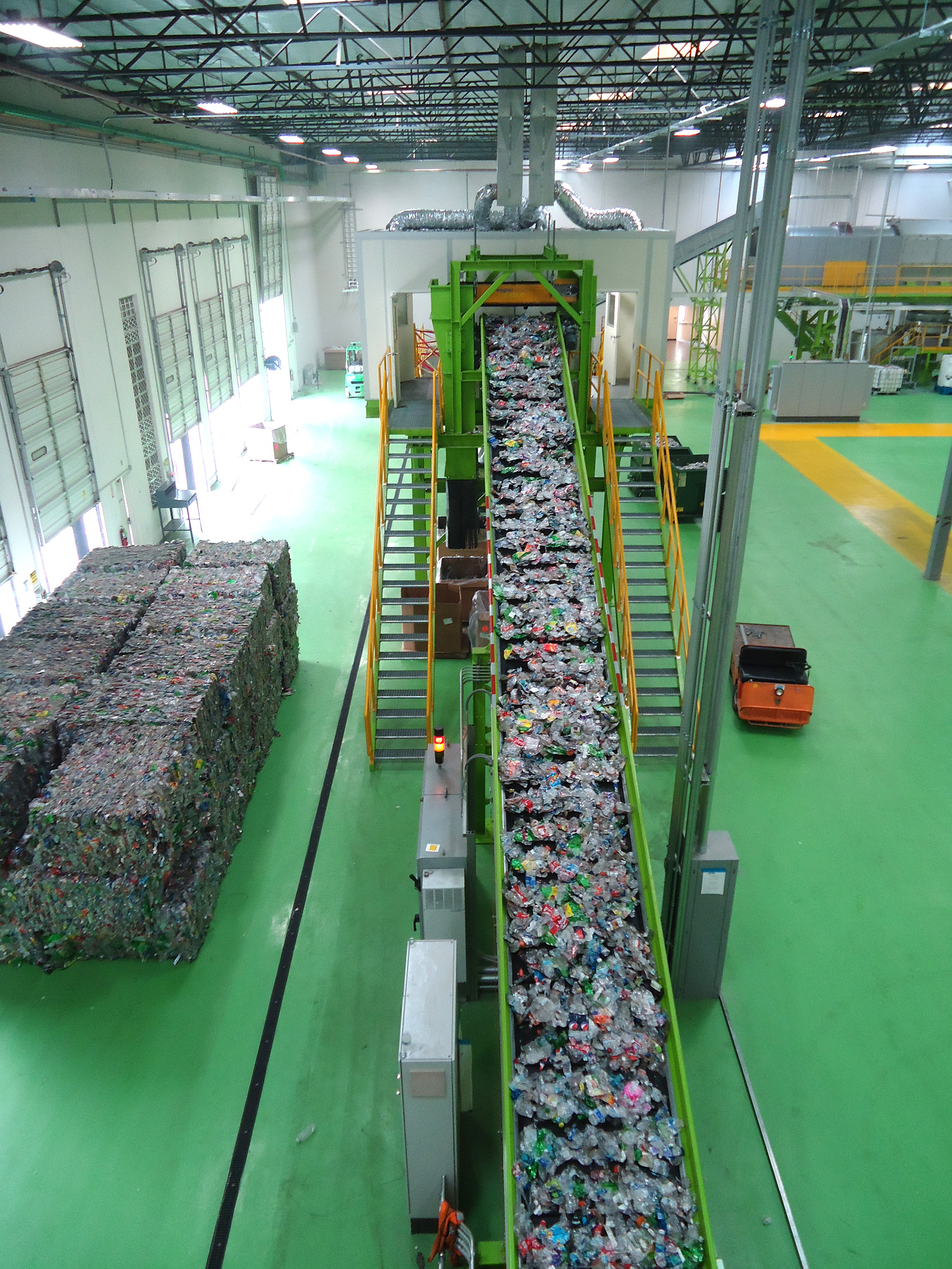 chain conveyor Sorting plant for plastic bottles