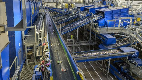 MSW recycling installation conveyors