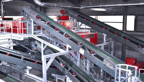 Installation de tri des DEEE systèmes convoyeurs
